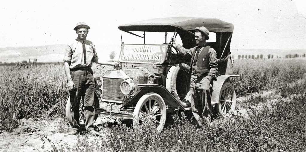 Extension agents in Eastern Oregon, 1915. [Courtesy of OSU Archives]