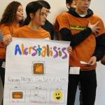 Students make a prestentation about their product to potential investors.